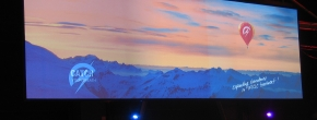 AV Stumpfl Aufprojektionsleinwand mit der Dimension 12.14m x 5.14m
